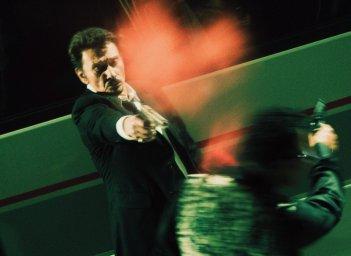 Johnny Hallyday, killer in azione nel film Vendicami