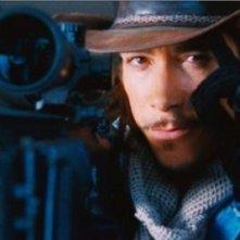 Óscar Jaenada in una scena del film The Losers