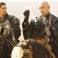 Toby Kebbel e Ben Kingsley in una scena di Prince of Persia: Sands of Time