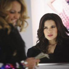 Ugly Betty: America Ferrera e Becki Newton nell'episodio Million Dollar Smile