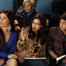 Ugly Betty: Ana Ortiz, America Ferrera e Mark Indelicato in una scena dell'episodio Smokin' Hot