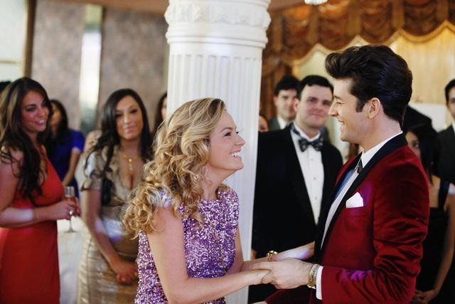 Ugly Betty Becki Newton E Michael Urie In Una Scena Dell Episodio The Past Presents The Future 159055