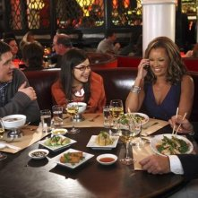 Ugly Betty: Brian Stokes Mitchell, Vanessa Williams ed America Ferrera nell'episodio Fire and Nice