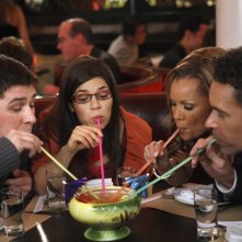 Ugly Betty: Rich Sommer, Brian Stokes Mitchell, Vanessa Williams ed America Ferrera nell'episodio Fire and Nice