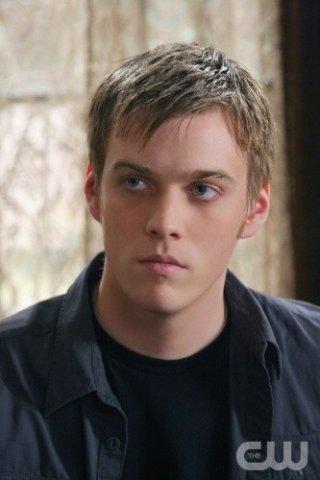Jake Abel nell'episodio Point of No Return di Supernatural