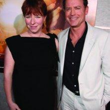 Julie Anne Robinson e Greg Kinnear alla première del film The Last Song all'ArcLight theater di Hollywood