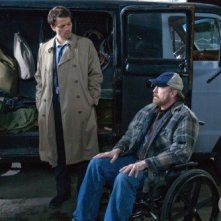 Misha Collins e Jim Beaver nell'episodio Two Minutes to Midnight di Supernatural