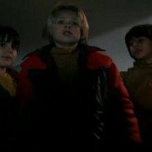 Lorenzo Aiello nel film La casa con la scala nel buio accanto a Giovanni Frezza