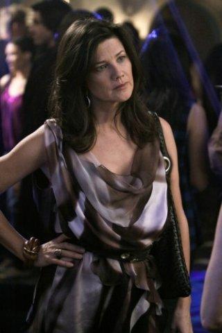 Melrose Place: Daphne Zuniga nell'episodio Santa Fe