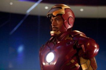 Robert Downey Jr è Tony Stark nel film Iron Man 2