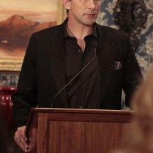 William (William Baldwin) durante un discorso nell'episodio It's a Dad, Dad, Dad, Dad World  di Gossip Girl