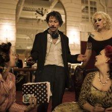 Una delle performer del film Tournée, di M. Amalric