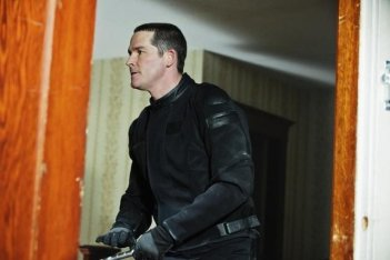Brad Turner nell'episodio Heretic's Fork del remake di Visitors