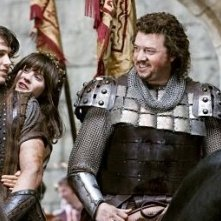 Danny McBride, James Franco e Zooey Deschanel cavalcano insieme in Your Highness
