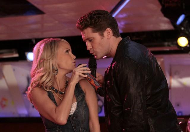 Kristin Chenoweth E Matthew Morrison In Una Scena Dell Episodio Home Di Glee 159899