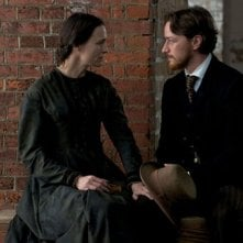 Robin Wright e James McAvoy in The Conspirator