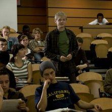 Uno studente (Chad Krowchuk) durante una lezione del Dott. Rush nell'episodio Human di Stargate Universe