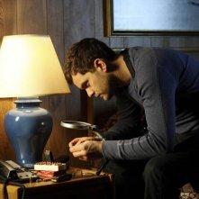 Fringe: Joshua Jackson in una scena dell'episodio Northwest Passage