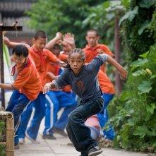 Dre (Jaden Smith) in fuga nel film Karate Kid