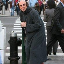 Minaccioso Hank Azaria nei panni del perfido Gargamella, nemico de I Puffi