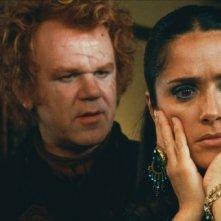 John C. Reilly e Salma Hayek in un'immagine del film Cirque du Freak: The Vampire's Assistant (2009)