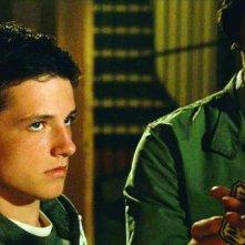 Josh Hutcherson e Chris Massoglia in una scena del film Aiuto Vampiro