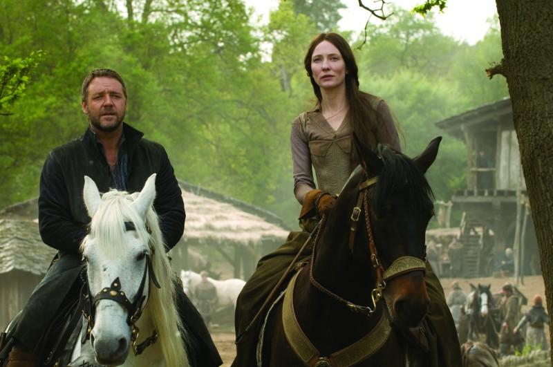 Russell Crowe e Cate Blanchett in un'immagine di Robin Hood (2010)