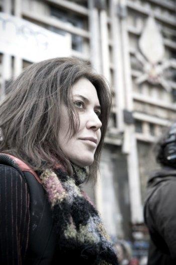 Sabina Guzzanti in uno scatto del film Draquila - L'Italia che trema
