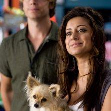Eric Christian Olsen e Noureen DeWulf nella commedia Piacere, sono un po' incinta