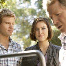 90210: Ryan O'Neal, Trevor Donovan e Jessica Stroup nell'episodio Meet The Parent