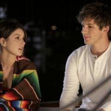 90210: Shenae Grimes e Matt Lanter nell'episodio Confessions