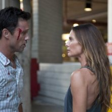Burn Notice: Jeffrey Donovan e Gabrielle Anwar nell'episodio Devil You Know