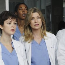 Grey's Anatomy: Ellen Pompeo e Nora Zehetner nell'episodio How Insensitive