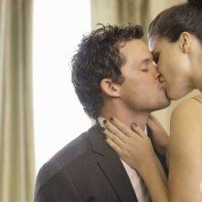 Un momento romantico tra Brooke (Sophia Bush) e Julian (Austin Nichols) in: Almost Everything I Wish I'd Said the Last Time I Saw You