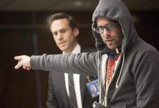 FlashForward: Joseph Fiennes e James Callis nell'episodio The Negotiation