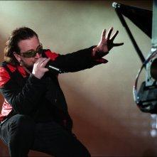 Bono, cantante degli U2, in un'immagine del film U2 3D