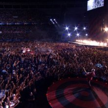 La folla in delirio per gli U2 nel film U2 3D