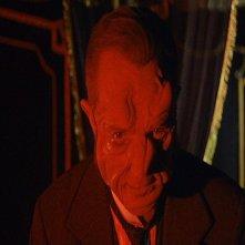 Robert Flemyng in una suggestiva scena del film L\'orribile segreto del dottor Hichcock
