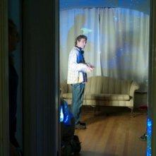 Il regista Max Mayer alle prese con il planetario sul set del suo film Adam
