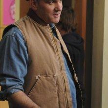 Burt Hummel (Mike O'Malley) in una scena dell'episodio Laryngitis di Glee