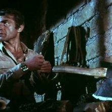 Chris Avram in una scena del film Reazione a catena (1971)