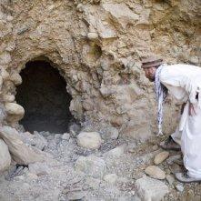 Morgan Spurlock cerca anche nelle cave più nascoste nel film Che fine ha fatto Osama Bin Laden?