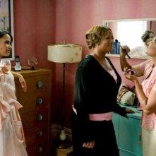 Paula Patton, Queen Latifah e un'irriconoscibile Pam Grier in una scena di Just Wright