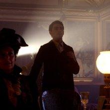 Una scena del film L'Imbroglio nel lenzuolo con Primo Reggiani