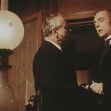 Robert Flemyng in una scena del film L\'orribile segreto del dottor Hichcock
