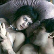 Ana (Manuela Vellés) e Said/Yasir (Nicolas Cazalé) in un'immagine del film Chaotica Ana