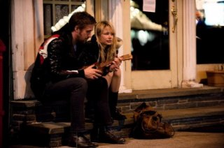 Ryan Gosling e Michelle Williams in una scena del film Blue Valentine