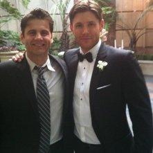 Jensen Ackles nel giorno del suo matrimonio con l\'attrice Danneel Harris