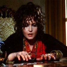 Laura Betti in una sequenza del film Reazione a catena (1971)