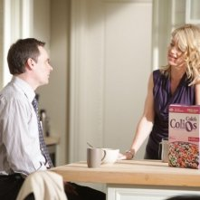 Robert Sean Leonard e Cynthia Watros in una scena di Open and Shut dalla sesta stagione di Dr. House: Medical Division
